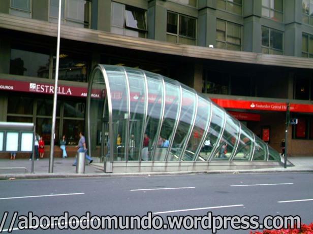 Saída do metrô de Bilbao, Espanha