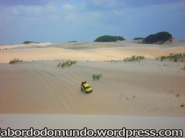 Passeio de buggy pelas dunas do Ceará
