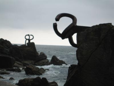 Peine del viento (pente do mar): Esculturas à beira mar do artista Chillida, de San Sebastian.