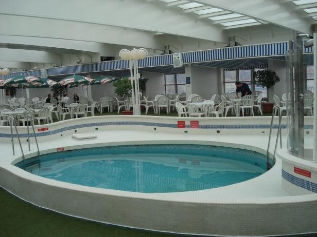 Jacuzzi e piscina: itens proibidos aos tripulantes...