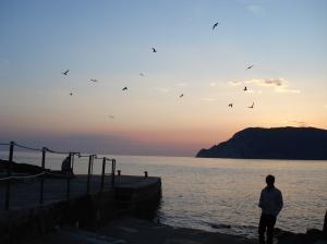 Pôr-do-sol em certo país mediterrâneo