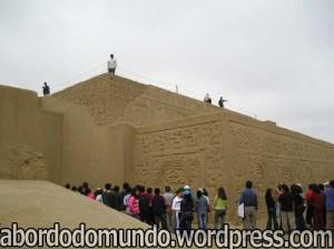 Trujillo possui ruínas de areia, algo diferente e muito interessante.