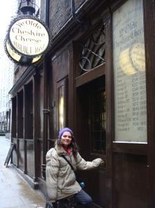 Entrada do Ye Olde Cheshire Cheese