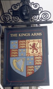 """Pub """"os braços do rei"""" também não pontua..."""