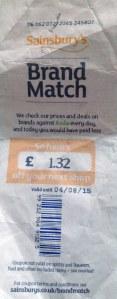 Papel do supermercado Sainsbury: sua compra foi 1.32 libras mais barata que no supermercado Asda