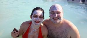 Na lagoa Azul você pode pegar a sílica, espécie de argila e passar na pele. Rica em minerais e um monte de coisa que faz bem pra pele.