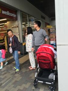 pijama na rua em Hong Kong- abordodomundo